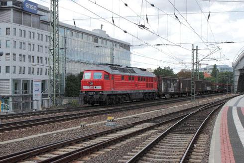 233 127 mit GA 47309 im Dresdner Hauptbahnhof