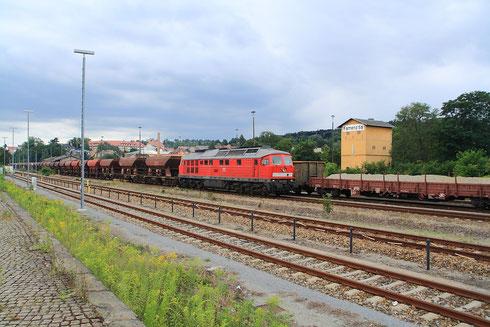 232 379 mit Leerschotterzug in Kamenz