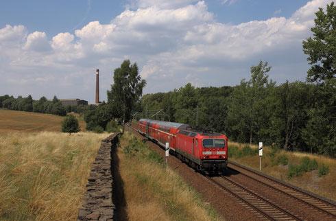 143 205 mit RB30 hinter Freiberg