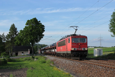 155 222 mit Sonderautovollzug am BÜ Colmnitz