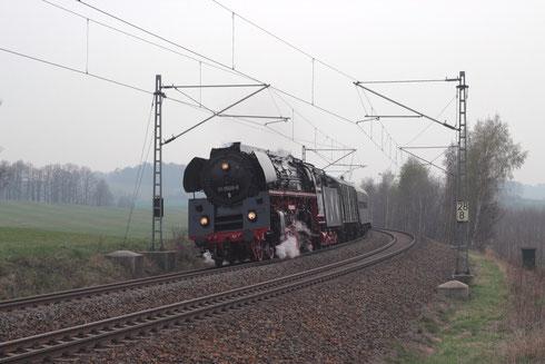 01 509 mit Leersonderzug zw. Niederbobritzsch und Colmnitz