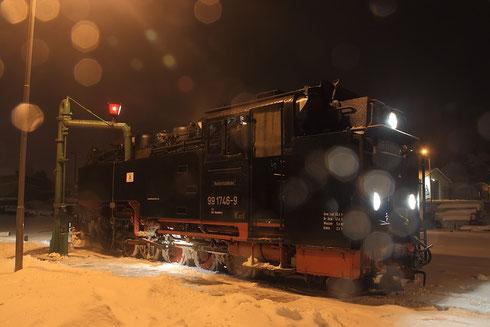99 1746 im tief verwehten Dippoldiswalder Bahnhof