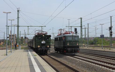 E77 10 mit Regionalbahn bei der Einfahrt in Chemnitz