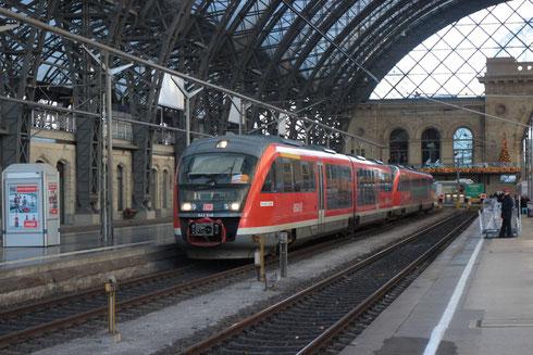 Ebenfalls als Ersatzzug unterwegs: 642 648 und 642 147