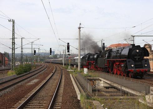 01 1533 und 03 2155 mit Deutschlandrundfahrt in Dresden Mitte