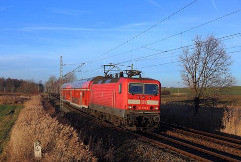 143 952 mit RB 30 hinter Hilbersdorf