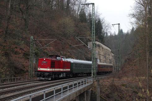 112 565 mit einem Sonderzug nach Freital in Edle Krone
