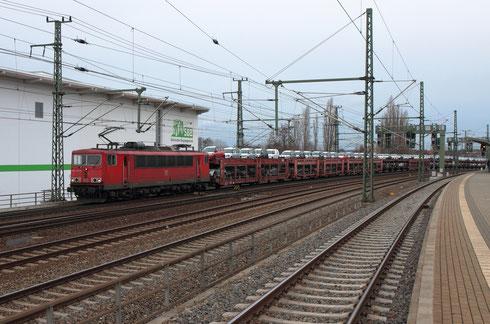 155 229 mit einem Autozug am Hp Freiberger Straße in Dresden