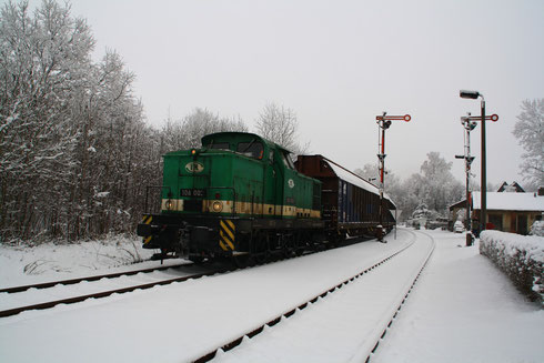 106 002 im Bahnhof Berthelsdorf