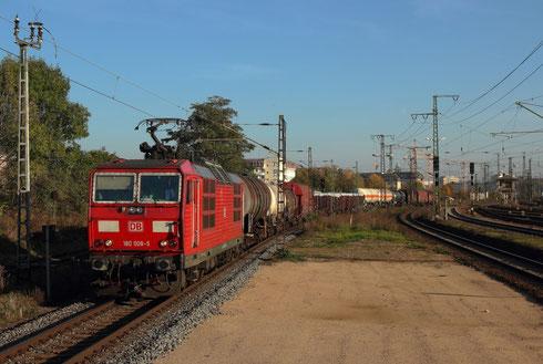 180 008 mit EZ 45300 in Dresden Friedrichstadt