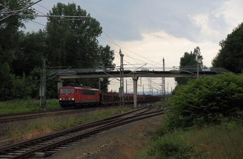 155 239 mit Autoleerzug 47337 im Bahnhof Klingenberg-Colmnitz