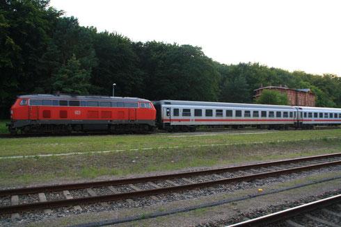 218 345 mit abgestelletem IC in Seebad Heringsdorf