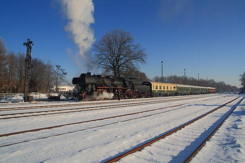 52 8080 mit Abschiedssonderzug der Horka-Schiene in Niesky
