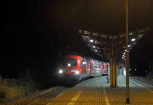 182 018 mit RB 30 nach Dresden in Edle Krone