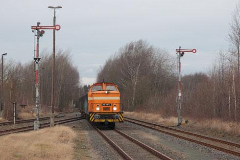 Die letzte Zuführung von Wagen zur Papierfabrik Weißenborn; aufgenommen im Bahnhof Berthelsdorf