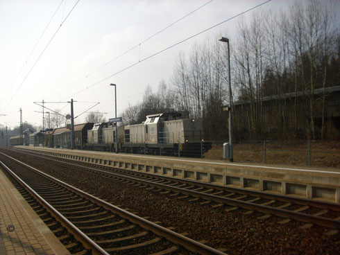 293 01 und 293 02 mit Gz im Bahnhof Klingenberg-Colmnitz (Bild mit Erlaubnis des Erstellers eingestellt)