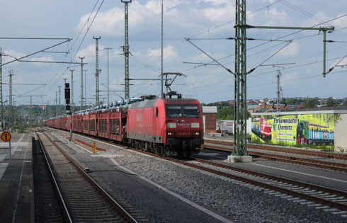 145 023 mit Sonderautovollzug im Chemnitz Hbf