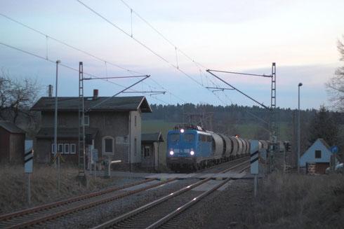 140 041 mit Getreidezug in Hilbersdorf