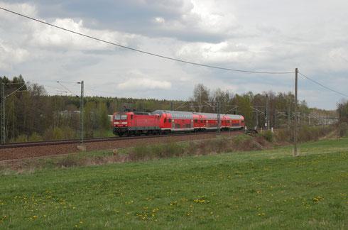 143 814 mit RE 3 nach Hof bei Colmnitz
