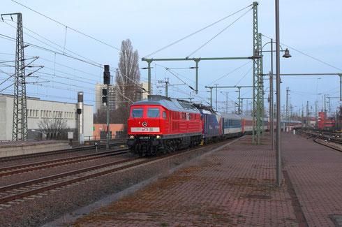 232 489 vor 371 201 vor EC 172 bei der Einfahrt in den Dresdner Hbf