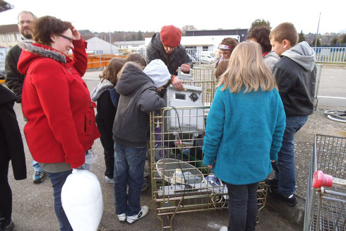 Remplissage de caddie gratuit au marché de la déchetterie du pays de Mirecourt