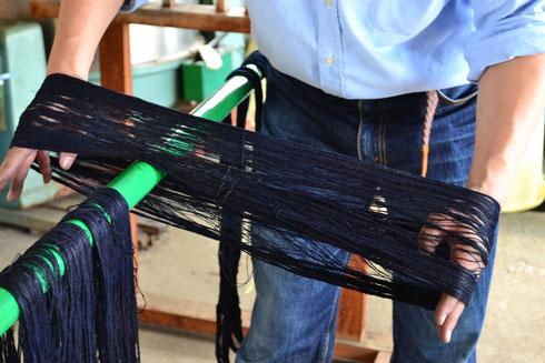 これは、生横にする糸になります