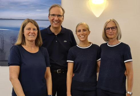 von links: Frau Fischer, Frau Schulz, Frau Derkum
