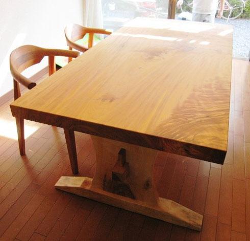 栃の二枚板脚テーブル