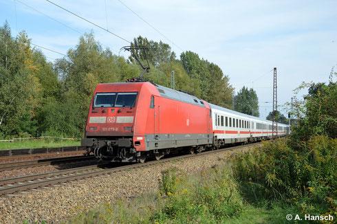 Am sonnigen 18. September 2014 ist 101 075-0 als Schublok an einem IC gen Dresden durch Leipzig-Thekla unterwegs
