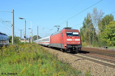 Bei bestem Wetter zieht 101 044-6 ihren IC am 18. September 2014 durch Leipzig-Thekla