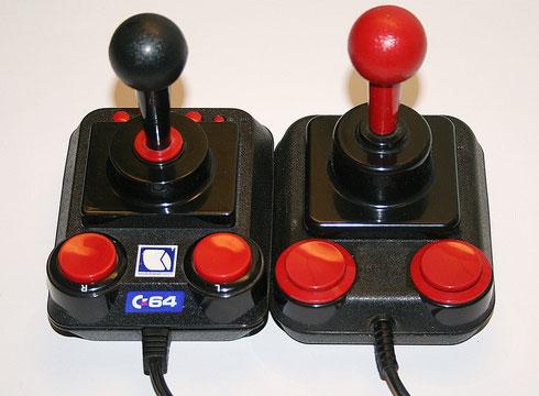 Competition Pro und C64 DTV im Vergleich