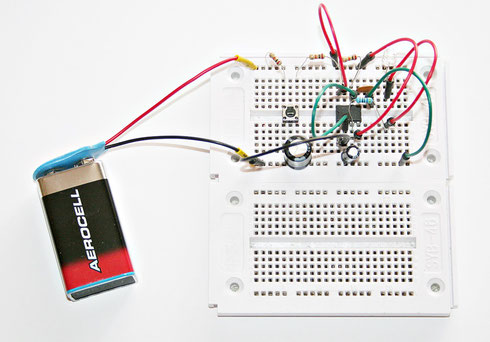 Testaufbau der Blinkerschaltung auf eunem Steckboard