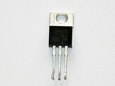 Sogenannter Festspannungsregler im TO-220-Gehäuse für 8 Volt und 1,5 Ampere