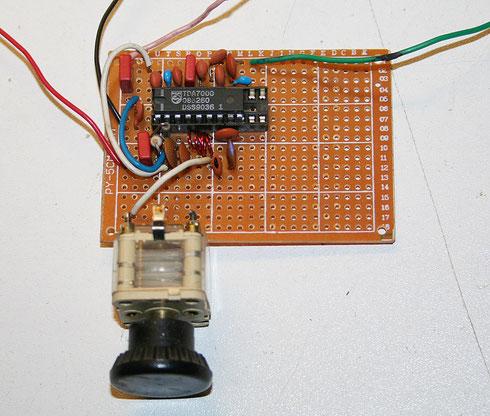 Aufbau des UKW-Radios auf einer Lochrasterplatine