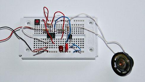 Experimentieraufbau des NE555-Signalgebers