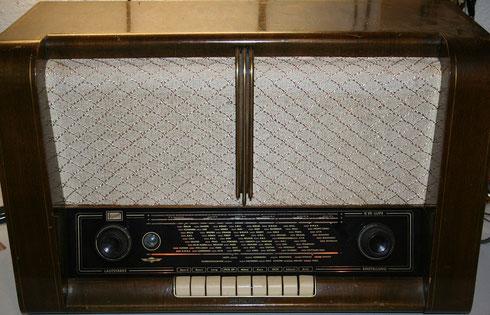 Röhrenradio Imperial J622W (ca. 1952/53)