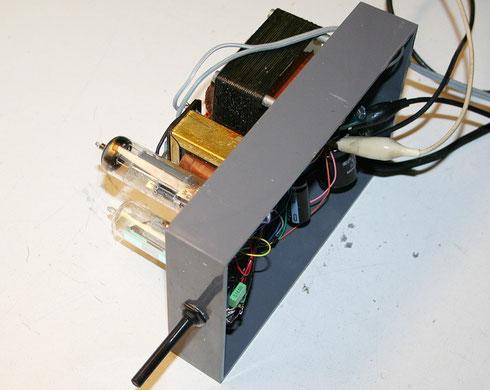 Der erste Probelauf des Verstärkers. Beinahe hätte die ECL86 dran geglaubt.
