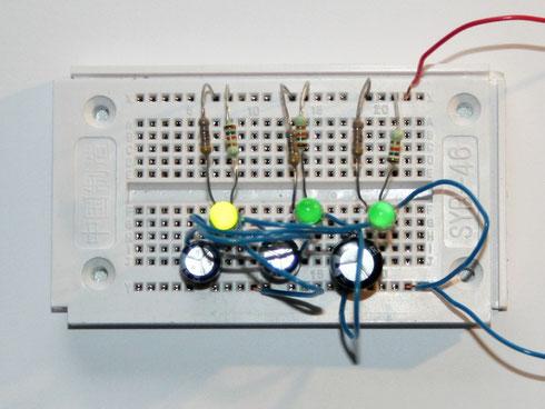 Testaufbau des Lauflichts auf einem Steckboard