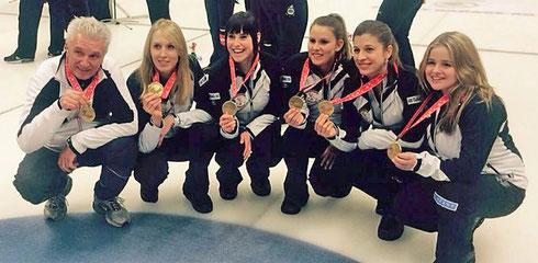 Bronzemedaille SM 2015 (vlnr.: Jimmy, Melanie, Carole, Jenny, Daniela, Anna)
