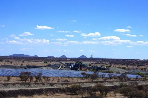 PV-Diesel-Hybrid-Anlage in Südafrika - Veröffentlichung mit Angabe der Bildrechte: CRONIMET Mining Power Solutions GmbH