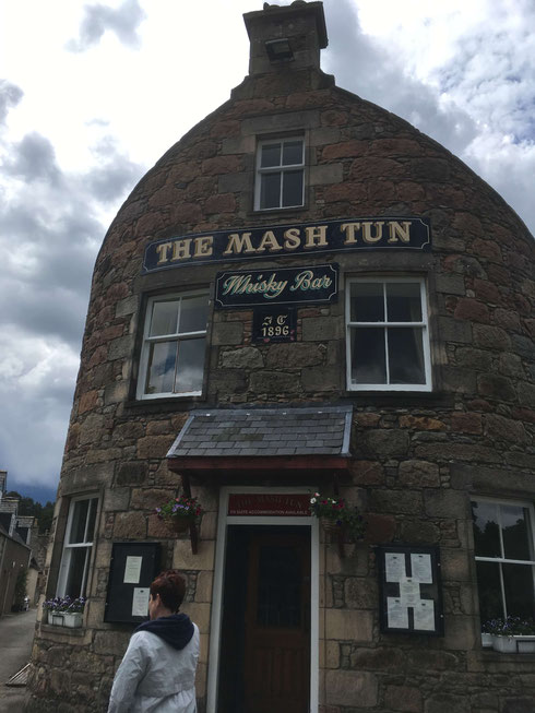 The Mash Tun Whisky Bar, Aberlour