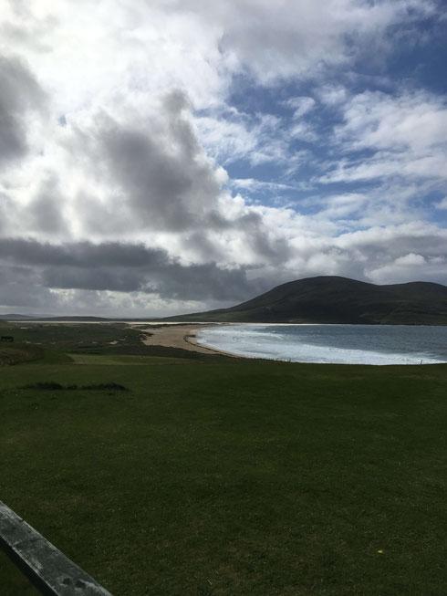 Blick über den Isle of Hearadh Golfclub auf Scarista Beach
