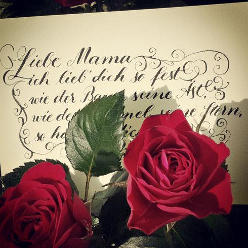 Kalligrafie mit Röschen