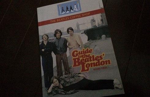 ロンドンで購入したビートルズ・ツアーの観光ガイド本