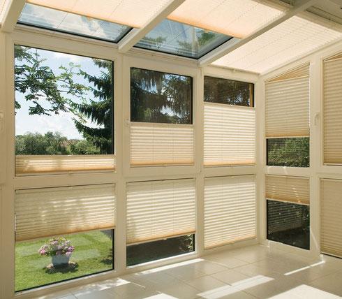 Plissee-Vorhänge: Auch für Dachfenster und in Sonderformen