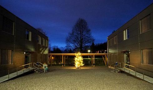 Morgentliche Weihnachtsstimmung am 1. Dezember im Kirchbühl 3. Foto: H. Herger