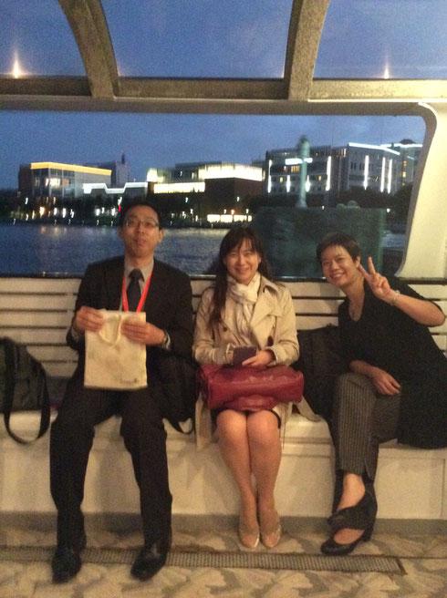 横浜港クルージング。右からKaren,Pei-Jiun&Winters
