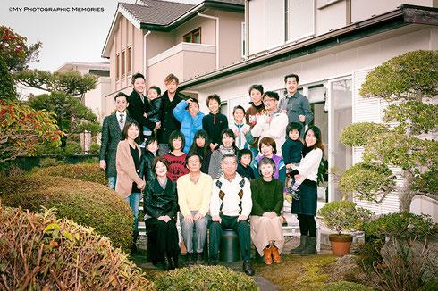 お庭でのご親族写真☆