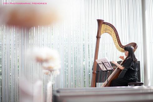 人前式ではご友人様がハープを演奏されました