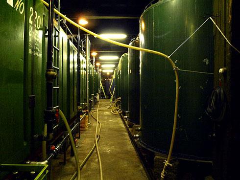 貯蔵庫は明治時代に米不作で困っていた人々を救済するためのお助け普請として建てられた